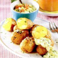 Cartofi_cu_sos_de_usturoi_si_rozmarin