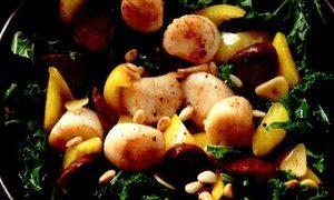 Fructe_de_mare_cu_carnati_varza_si_usturoi
