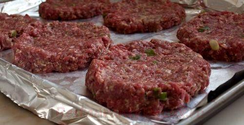 Hamburgeri de vita cu mozzarella