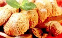 Sandviciuri din pricomigdale cu nuca de cocos si inghetata