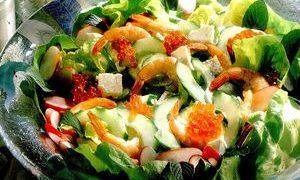 Salata_cu_creveti_branza_si_icre_de_somon