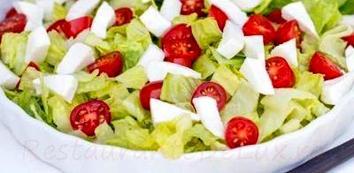 Salata_de_rosii_cherry_cu_mozzarella_si_sos_de_branza_04