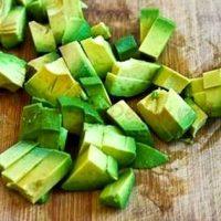 Salată de avocado cu zmeură