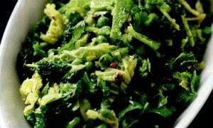 Mazare inabusita cu salata verde
