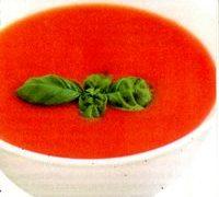 Supa de rosii si coriandru din: rosii, castravete, ceapa, usturoi, morcov, telina, lamaie, ulei de malsine, sare, piper