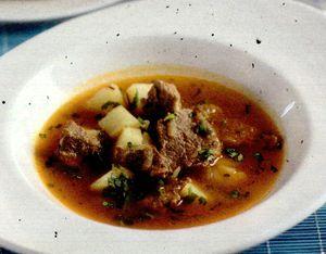 Supa din piept de vita si sunca afumata