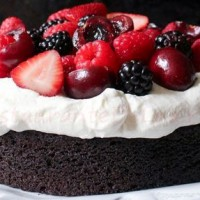 Tort_cu_frisca_si_fructe_de_padure_07