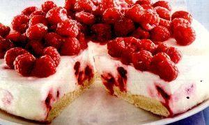 Tort_cu_iaurt_si_zmeura