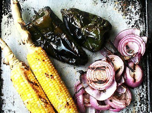 Tortilla_umplute_cu_pui_si_salata_de_legume_coapte