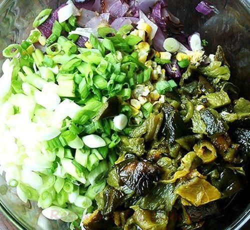 Tortilla_umplute_cu_pui_si_salata_de_legume_coapte_02