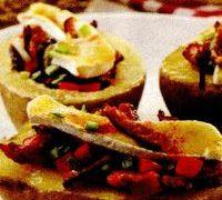 Cartofi_copti_cu_legume_si_bacon