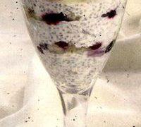 Desert_la_pahar_cu_fructe_si_chia
