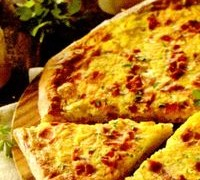 Pizza_cu_cartofi_bacon_si_ou