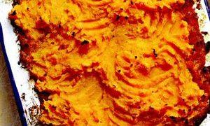 Placinta_de_legume_si_crusta_de_cartofi_dulci
