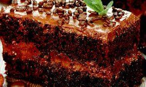 Prăjitură pufoasă cu ciocolată şi cafea