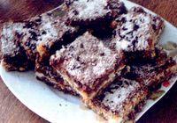 Prajitura_cu_ciocolata_alba_nuca_si_frisca