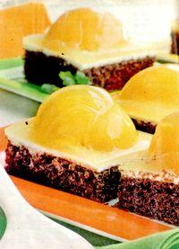 Prăjitură cu caise si zahar vanilat