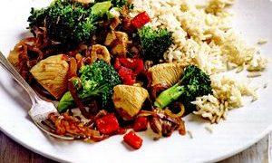Pui_cu_broccoli_si_usturoi