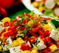 Salata_cu_porumb_ardei_si_telemea