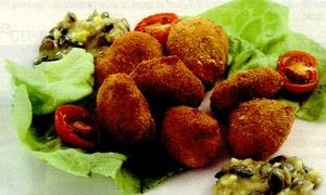 Salata_cu_rosii_si_cas_pane