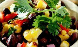 Salata_de_fasole_rosie_cu_porumb_si_ardei