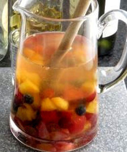Sangria cu mix de fructe