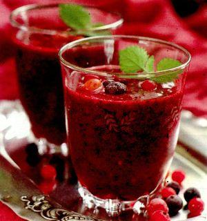 Bavaroaza cu fructe rosii