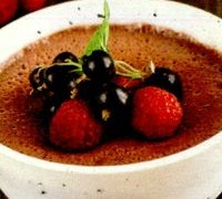 Desert cu spuma de ciocolata si rodie
