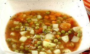 Supa de mazare verde si cartofi noi