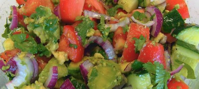 Tomato_cucumber_and_avocado_salad