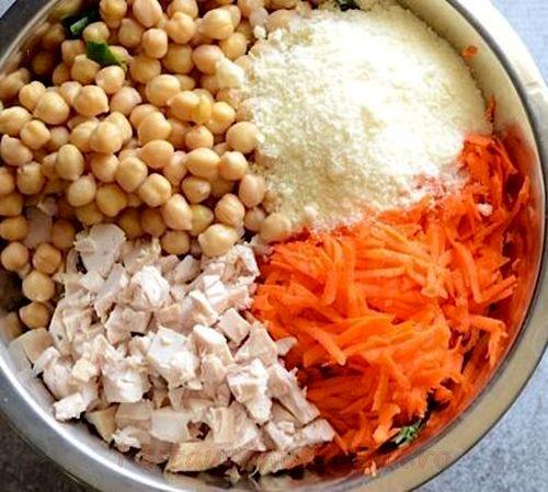 Tortilla umplute cu salata de pui