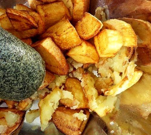 Cartofi si ceapa rumenita cu glazura de mustar si miere