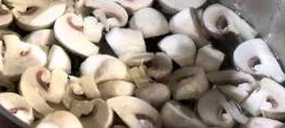 Salata cu ciuperci si ardei
