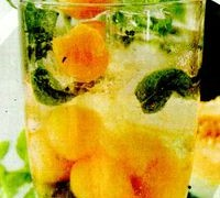 Limonada_cu_pepene_galben_si_lamaie