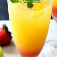 Limonada de portocala cu sirop de capsuni