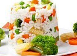 Orez_cu_carne_de_pui_si_broccoli