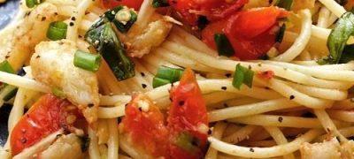 Cum se prepara spaghete cu crab, lamaie si chilli