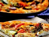 Pizza cu ton si fructe de mare