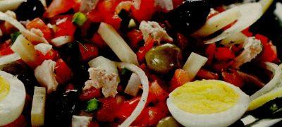 Salata asortata cu ton