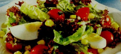 Salata verde cu peste marinat