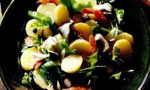 Salata_cu_creveti_cartofi_si_ridichi
