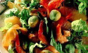 Salata_cu_creveti_somon_si_avocado