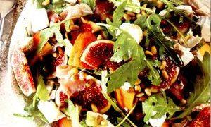 Salata_cu_prosciutto_nectarine_si_smochine