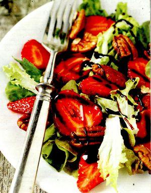 Salată de căpşune cu ingheţată