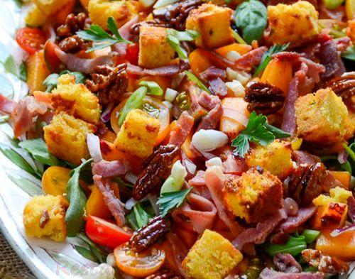 Salata de rucola cu crutoane si dressing cu maioneza