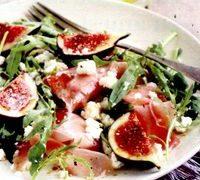 Salata_de_rucola_cu_smochine_si_curcan