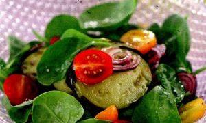 Salata_siriana_cu_vinete_rosii_si_miere