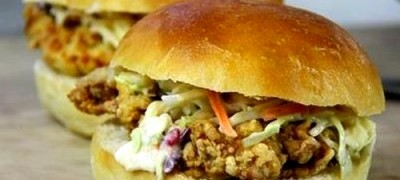 Sandwich-uri_cu_pui_prajit_06