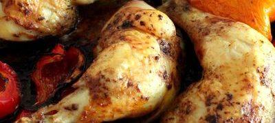 Pulpe de pui cu prune si sos alb