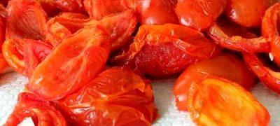 Cuiburi cu rosii uscate si mozzarella